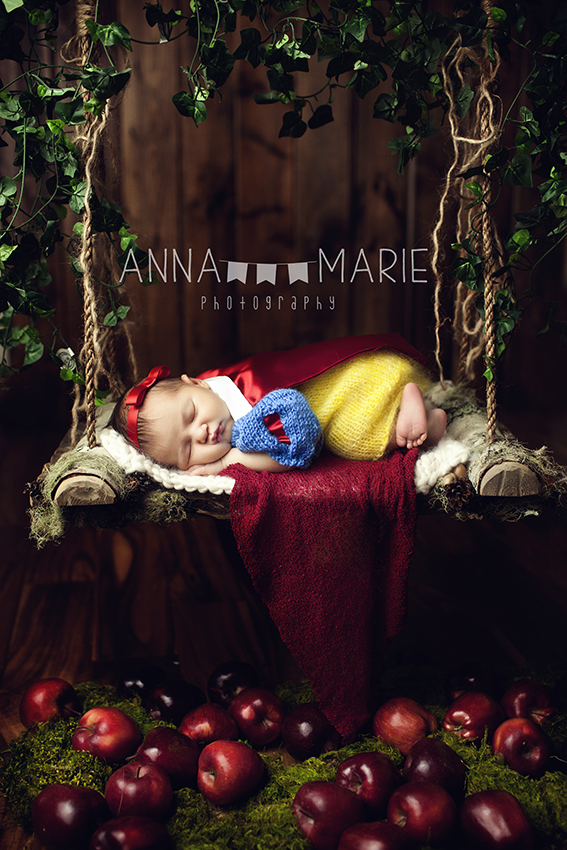 princess newborn photographer